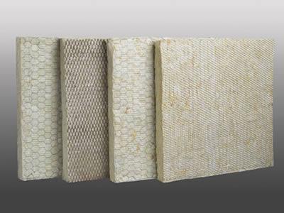 Hexagonal metal mesh figures as insulation facing for Mineral fiber blanket insulation